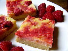 Sweet and Sugar-free Raspberry Lemon Swirl Bars « Healthy Indulgences Brownie Desserts, Low Carb Desserts, Just Desserts, Low Carb Recipes, Delicious Desserts, Snack Recipes, Dessert Recipes, Yummy Food, Raspberry Desserts