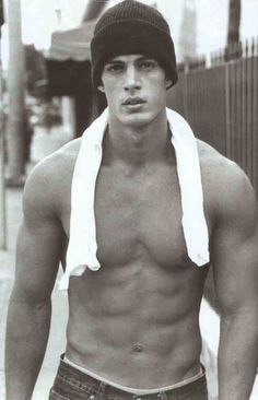 William Levy without shirt Boys In Beanies, Cuban Men, Jfk Jr, John Kennedy, Raining Men, Attractive Men, Gorgeous Men, Dead Gorgeous, Cute Guys