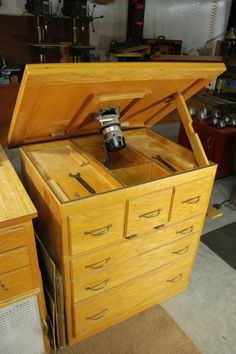 #router table    http://www.shoptours.org/shop_tours/files/tom-clark.html