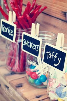 chalkboard labels on mason jars. this would be so cute at a party or candy bar