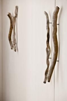 Italy - Veneto Particolare delle maniglie di un armadio in una casa di Cortina d'Ampezzo