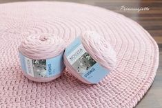 Prinsessajuttu: Virkattu matto OHJE (Novita Strömsö) Crochet Mat, Crochet Carpet, Crochet Stars, Crochet Home, Crochet Slippers, Diy Home Crafts, Crochet Fashion, Handicraft, Needle Felting