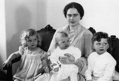 Ileana with her children