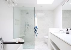 ​A 2-Minute Post-Shower Routine to Get (and Keep!) Your Bathroom Ultra Clean