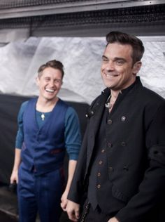 Mark Owen and Robbie Williams will always b my favourite members of take that Robbie Williams Take That, Good Music, My Music, Howard Donald, Jason Orange, Mark Owen, Gary Barlow, Celebs, Celebrities
