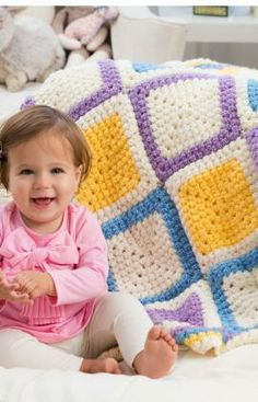 Granny Cluster Baby Blanket Free Crochet Pattern from Red Heart Yarns
