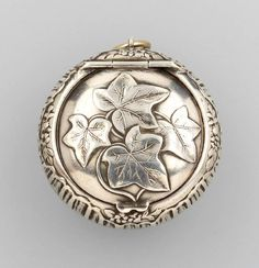 800 silver pill box, France approx. 1900