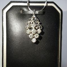 Liontin emas berlian Mode Anggur. Hrg cuci gudang. Toko Perhiasan Emas Berlian-MJ,Jakarta +628119919088/DC9E309C Cp.Ayu #emas#berlian#investasi#gold#fashion