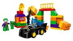 LEGO® DUPLO® - The Joker Uitdaging  Kinderen kunnen de spannende scènes zelf bouwen met de grote, vrolijk gekleurde stenen, en iedere dag opnieuw Batman™ helpen de misdaad te bestrijden. Inclusief LEGO® DUPLO® Batman™ en The Joker figuren.