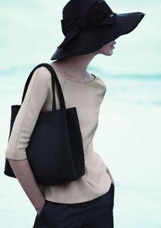 The hat & handbag are perfection……Giorgio Armani —Spring/Summer 2012