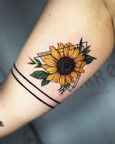 A sunflower tattoo is a symbol of happiness, luck, hope, and loyalty. We have found 61 of the prettiest sunflower tattoo designs. Check them out! Bild Tattoos, Body Art Tattoos, Sleeve Tattoos, Small Tattoos, Small Saying Tattoos, Upper Arm Tattoos, Small Flower Tattoos, Sunflower Tattoos, Sunflower Tattoo Design