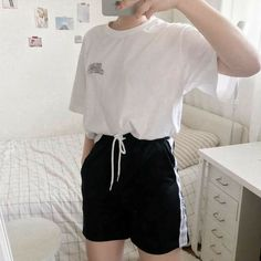 Tomboy Outfits, Retro Outfits, Short Outfits, Simple Outfits, Girl Outfits, Casual Outfits, Fashion Outfits, Fashion Ideas, Fashion Styles