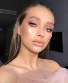 Bright Pink Eye Makeup, Silver Eye Makeup, Glossy Makeup, Natural Eye Makeup, Pink Makeup, Makeup Glowy, Pink Eye Makeup Looks, Flawless Makeup, Kawaii Makeup