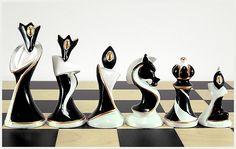 Art Deco chess pieces {divinorumandabsinthe.blogspot.com}.