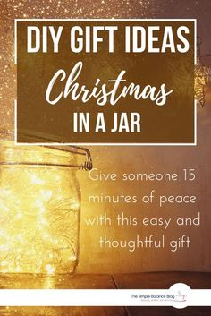Looking for small, yet thoughtful DIY gift ideas for Christmas? Then you'll love Spirit of Christmas in a jar! It's inexpensive, easy to make and can be personalized the way you want. And it invites the recipient to take a 15 minute break from the busy pr Christmas Hacks, Diy Christmas Gifts, Before Christmas, Simple Christmas, Christmas Preparation, Jar Gifts, Christmas Is Coming, Thoughtful Gifts, Spirit
