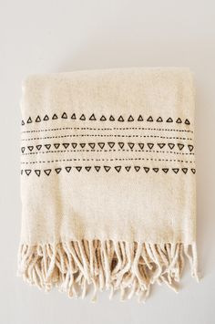 Black Druzi Wool Blanket - eco-friendly wedding gift idea - hand woven in Mexico - www.koromiko.com