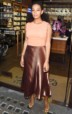 15 Celebrity Outfit Ideas Perfect for the End of Summer via @WhoWhatWearUK