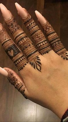 Latest Henna Designs, Henna Tattoo Designs Simple, Legs Mehndi Design, Back Hand Mehndi Designs, Full Hand Mehndi Designs, Mehndi Designs 2018, Mehndi Designs Book, Mehndi Designs For Girls, Mehndi Designs For Beginners