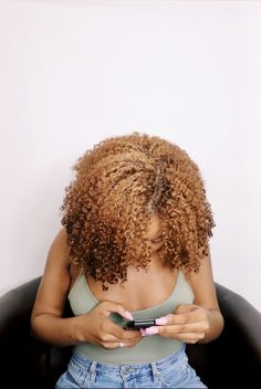Natural hair for black girls. Brown and blonde. Black Girl Hair Colors, Blonde Hair Black Girls, Cute Hair Colors, Brown Blonde Hair, Front Hair Styles, Curly Hair Styles, Natural Hair Styles, Hair Front, Blonde Dye