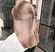 Hair Colour – My hair and beauty Rose Hair, Pink Hair, Baby Blonde Hair, Cheveux Beiges, Hair Inspo, Hair Inspiration, Blond Rose, Rose Gold Hair Blonde, Champagne Blonde Hair