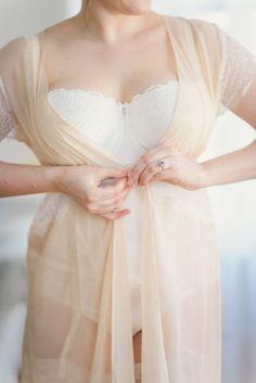 Romantic boudoir inspiration shoot | Kate Ignatowski Photography | see more on: http://burnettsboards.com/2014/07/curvy-girls-bridal-trousseau/