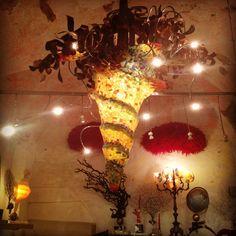 Lampadario a Salamastra - Pezzo unico fatto a mano con vetro, resina, rame, & tubi cromati