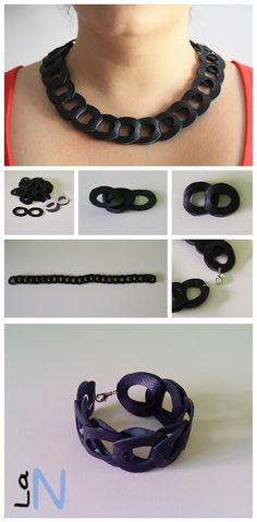 Collar y pulsera de cuero Si quieres ver la explicación del paso a paso, visita: http://laneuronadelmanitas.blogspot.com.es/2013/07/collar-de-cuero.html