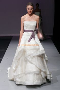 Außergewöhnliche Aparte Hochzeitskleider aus Organza