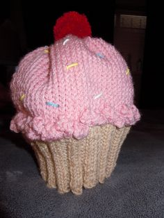 Knitting Pattern For Cupcake Beanie : 1000+ images about Things I would like to make on Pinterest Boot cuffs, Chr...