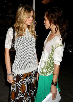 Ashley Olsen, Mary Kate Olsen.... I wish I could dress like they do!