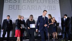 """Повечето служители у нас казват, че са ангажирани от компанията, за която работят, и са удовлетворени от работата, която вършат, показват данните от годишното проучване за най-добрите работодатели в България на консултантската компания """"Аон България"""". Така положителният тренд, започнал през 2014 г., се запазва и през тази, изтъква ръководителят на проучването Гергана Ганчева и допълва, че нищо не пречи да продължи и през следващата."""