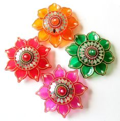 Rangoli - A Splash of Colors by KundanArt Diwali Decoration Items, Thali Decoration Ideas, Designs Rangoli, Rangoli Patterns, Diwali Diya, Diwali Craft, Door Hanging Decorations, Acrylic Rangoli, Candle Stands