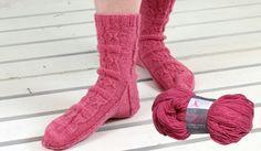 Roosa nauha socks&yarn