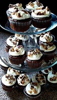 Snickers Cupcakes.  Be still my heart.