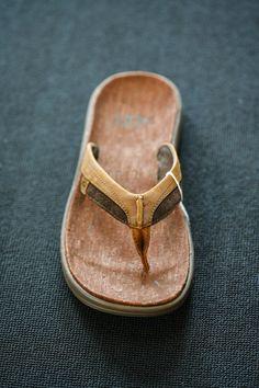 6fbfb9e5bf6a0b UGG leather flipflops  AllensShoes  UGG  flipflops