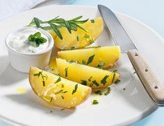 Gedämpfte Rosmarinkartoffeln mit Sauerrahmdip - Dampfgarer - Rezept - ichkoche.at
