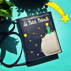 #thelittleprince #bookbag by #krukrustudio #lepetitprince #bookpurse #leatherbag #bookclutch