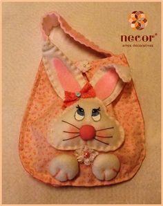Saquinho porta ovos da Páscoa em feltro e tecido