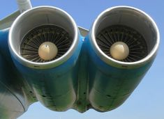 Ilyushin Il-62 Engine View