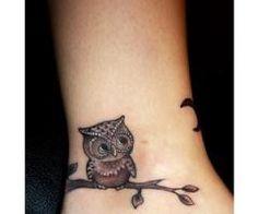 such a cute owl tattoo Mini Tattoos, Baby Owl Tattoos, Cute Owl Tattoo, Little Tattoos, Leaf Tattoos, Small Tattoos, Tattoo Baby, Diy Tattoo, Finger Tattoos