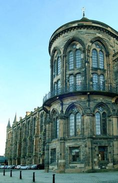 Hunterian Museum, University of Glasgow. Our tips for thing to do in Glasgow… Glasgow Architecture, Beautiful Architecture, Beautiful Buildings, Beautiful Places, The Places Youll Go, Places To See, Photo Voyage, England And Scotland, Wanderlust