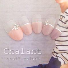【大人女子におすすめ◎】シンプルなデザイン♪『ピンクベージュ』を使ったネイルで大人可愛い指先に♡ | GIRLY