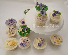 Pretty cupcakes from Eggless Cake Delights Pretty Cupcakes, Mini Cupcakes, Cake Decorating Courses, Different Styles, Wedding Ideas, Desserts, Food, Tailgate Desserts, Deserts