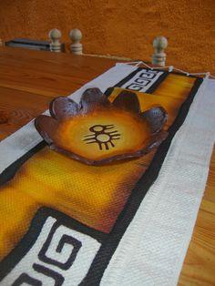 YUMBREL artesanias: Más artesanías en Pasta Piedra!!! Pasta Piedra, Kerala Mural Painting, World Crafts, Mandala Painting, Bottle Crafts, Paper Mache, Aztec, Origami, Projects To Try
