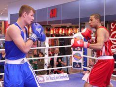 Jason Quansah (rot) vs. Tony Witzke (blau)