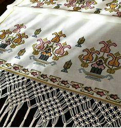 AlıntıUyumun birbirine yakıştığı kadar hi Needlepoint Designs, Cross Stitch Borders, Bob Ross, Diy And Crafts, Embroidery, Crochet, Pattern, Crossstitch, Homemade Rugs