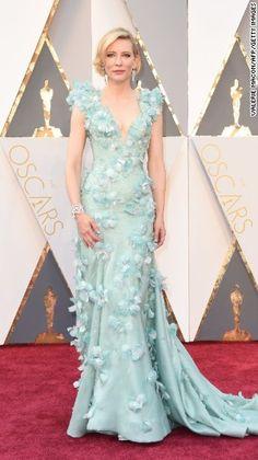 Mágica Cate Blanchett. Una elección jugada que podría no haberle quedado bien a otra. A ella sí <3