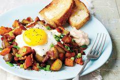 Recipe: Bacon potato hash with eggs and chipotle sour cream