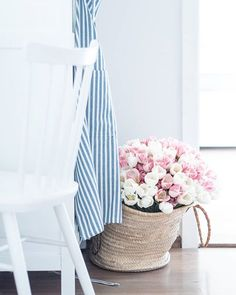 Prairie Charm: H&M apron ~ H&M zástera White Apron, Sweet Lady, Farms Living, White Cottage, Country Farm, French Farmhouse, Hanging Chair, Budapest, Blue And White