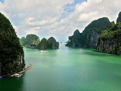 Vacation Destinations | Luxury Trips | Travel Worldwide | Travel Store: Halong Bay or Bai Tu Long Bay – How to Choose Your...